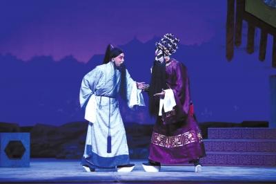 刘垒(左)扮演的宋江和刘魁魁扮演的李逵(右)